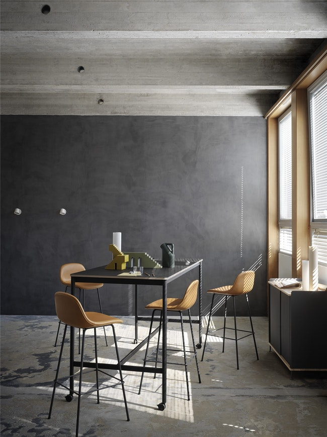 Muuto High Table With Casters